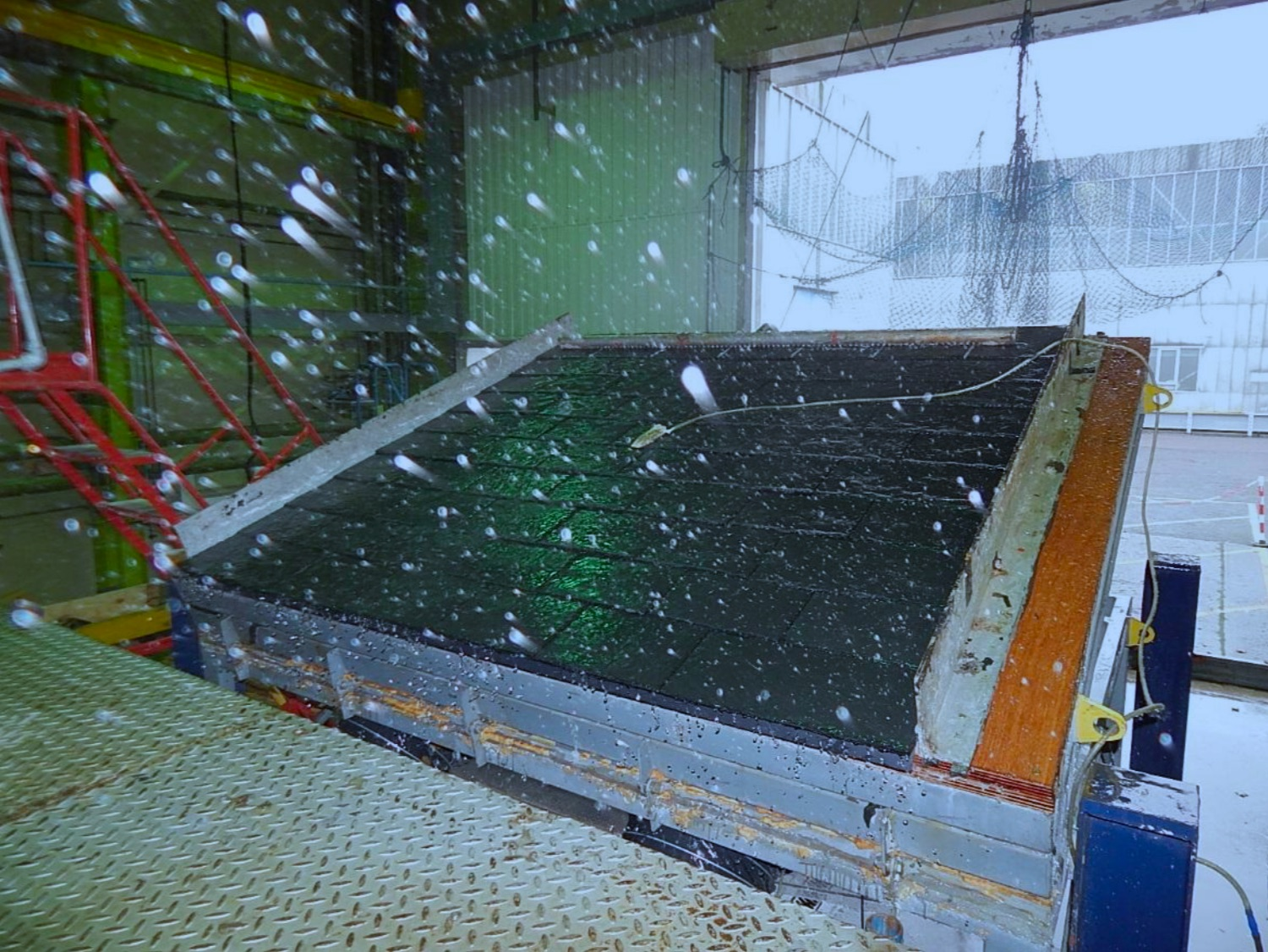 Low Pitch Slate Roof: Test Rig in BRE Tunnel